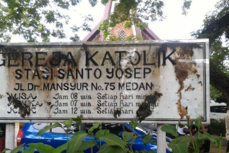 Teror dengan membawa bom terjadi di Gereja Katolik Stasi Santo Yosep di Jalan Dr Mansur Nomor 75 Medan, Minggu (28/8/2016).
