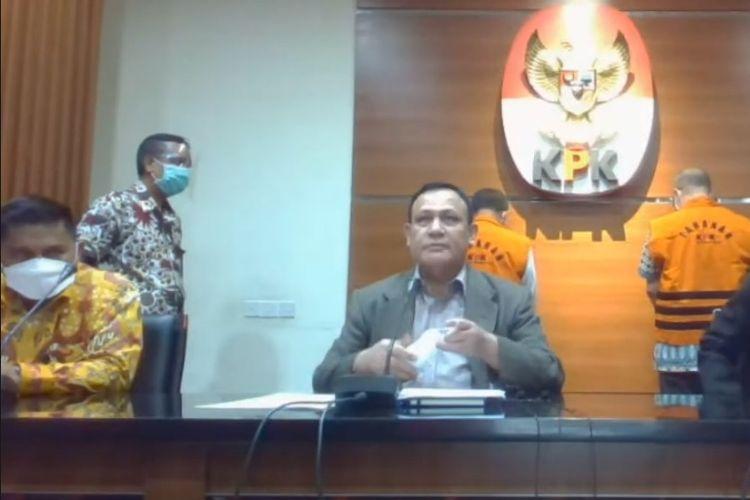 Ketua KPK Firli Bahuri dalam konferensi pers terkait OTT terhadap Wali Kota Cimahi, Ajay Muhammad Priatna pada Sabtu (28/11/2020).