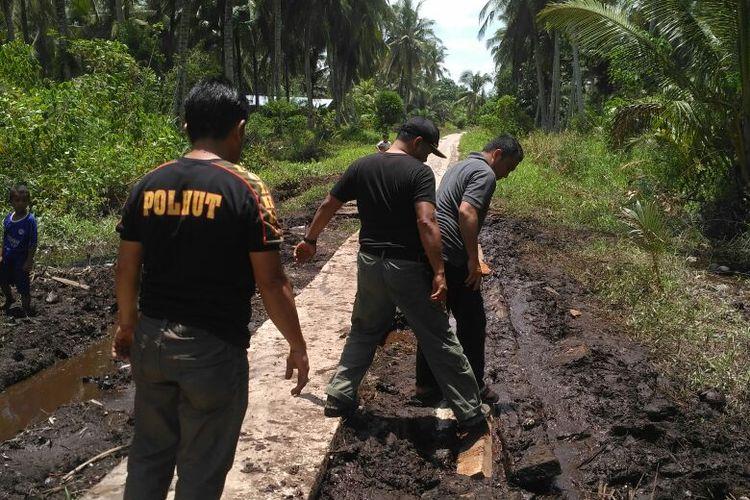 Upaya tim gabungan dan BBKSDA Riau melakukan penangkapan terhadap harimau Bonita di Kecamatan Palangiran, Kabupaten Indragiri Hilir, Riau.