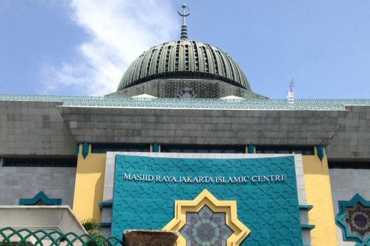 Tampak suasana kompleks Jakarta Islamic Centre (JIC) yang dulunya merupakan lokalisasi Kramat Tunggak di Kelurahan Tugu Utara, Kecamatan Koja, Jakarta Utara, Senin (15/2/2016).