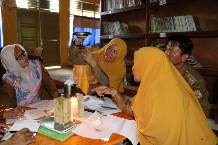 Aktif dalam kegiatan KKG dan MGMP, membuat guru bisa saling belajar dan berbagi untuk meningkatkan kualitas pembelajaran.