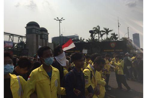 Ada Massa Pro dan Kontra RKUHP Demo di Depan DPR, Polisi Buat Pemisah