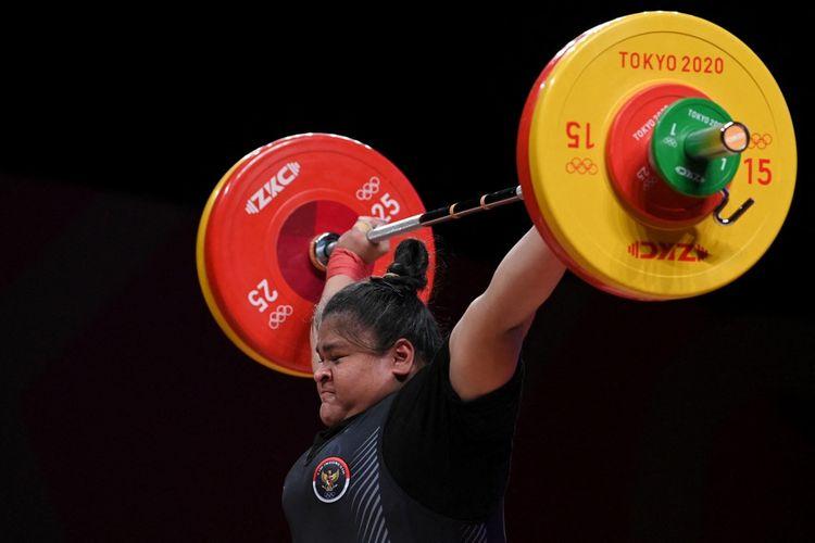 Nurul Akmal mewakili Indonesia di angkat besi nomor +87 kg putri. Wanita asal Aceh itu berada di posisi kelima usai menyelesaikan total angkatan 256 kg (115 kg snatch serta 141 kg clean and jerk).
