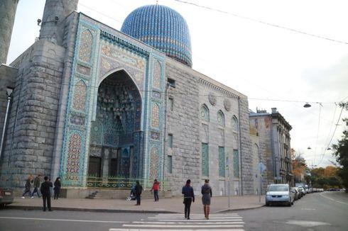 Blue Mosque, Jejak Soekarno di Negeri Beruang Merah