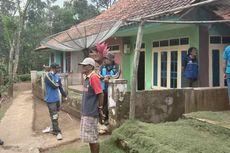 Warga Korban Pergerakan Tanah di Sumedang Diungsikan ke GOR Desa