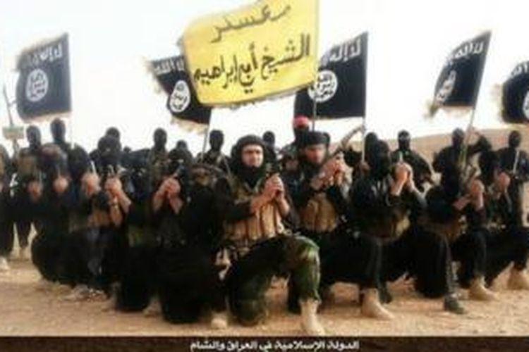 Inilah salah satu contoh foto-foto yang diunggah Negara Islam Irak dan Suriah (ISIS) ke media sosial, dalam hal ini Twitter.