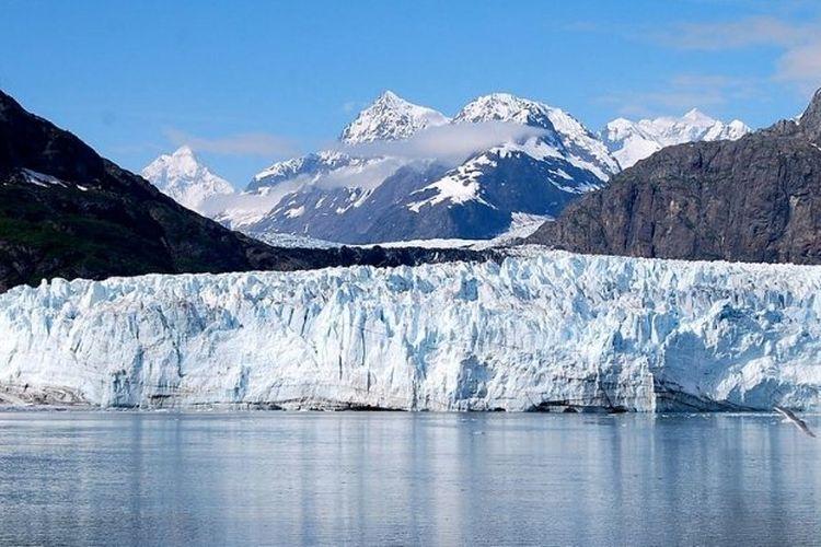 Gletser di Gunung Everest yang mencair mengungkapkan hal-hal misterius yang ada dibawah permukaan es.