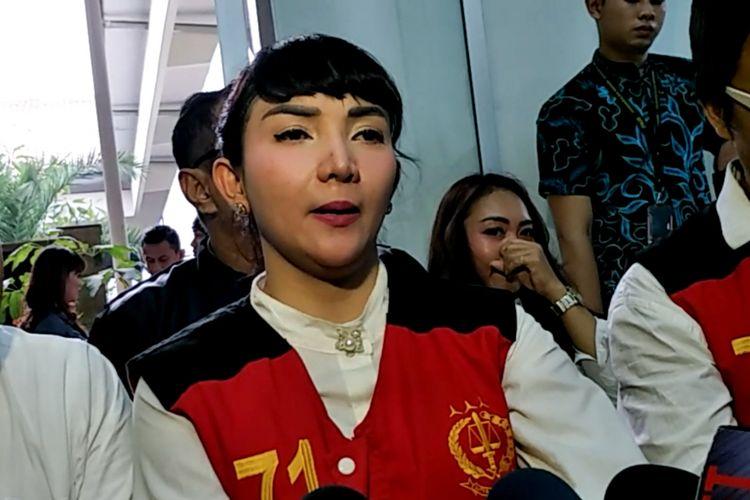 Artis peran Roro Fitria di Pengadilan Negeri Jakarta Selatan, Rabu (10/10/2018).