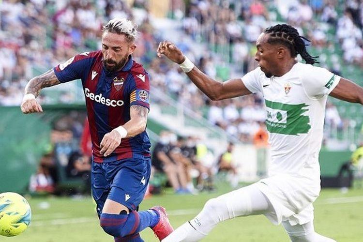 Laga Elche vs Levante dalam lanjutan pekan kelima Liga Spanyol 2021-2022 di Stadion Martinez Valero, Minggu (19/9/2021) dini hari WIB.