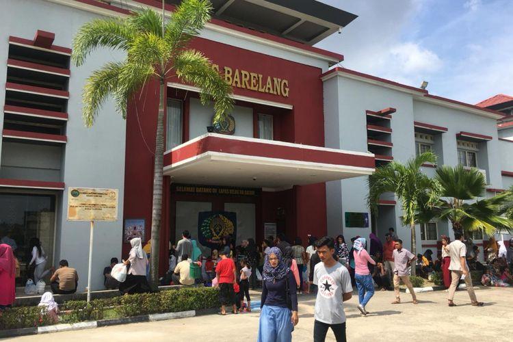 182 warga binaan Lapas Kelas IIA Barelang mendapatkan remisi atau pengurangan hukuman memperingati Natal dan Tahun Baru, Selasa (25/12/2018).