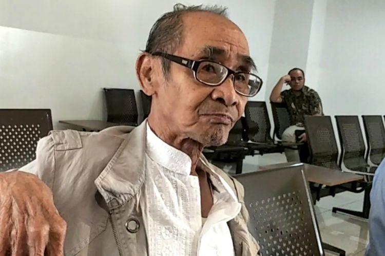 Syamsul Fuad, penulis cerita Benyamin Biang Kerok, di sela menunggu jadwal sidang perkara kasus dugaam pelanggaram hak cipta film tersebut di Pengadilan Negeri Jakarta Pusat, Kamis (5/4/2018).