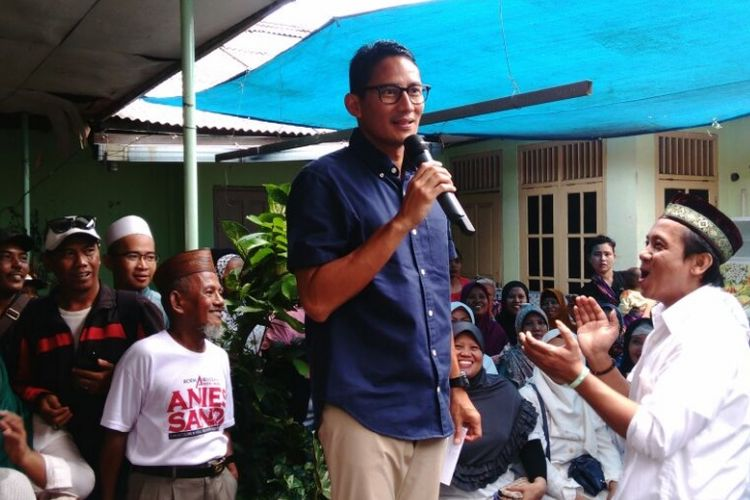 Calon wakil gubernur DKI Sandiaga Uno saat kampanye di Kramatjati, Jakarta Timur. Rabu (15/3/2017)