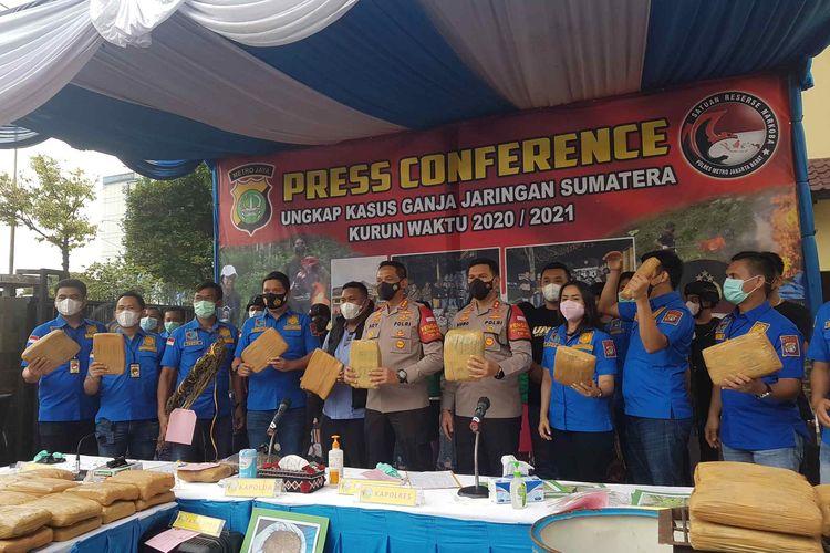 Konferensi pers pengungkapan penyitaan sebanyak 144 ton ganja dari sebuah ladang di kawasan Mandailing Natal, Sumatera Utara pada Selasa (23/2/2021). Konferensi pers digelar Selasa (9/3/2021).
