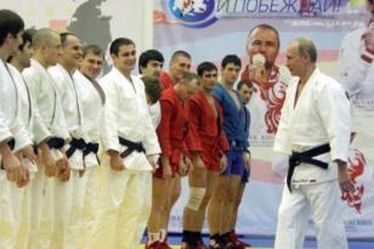 Presiden Rusia Vladimir Putin adalah penyandang sabuk hitam judo.