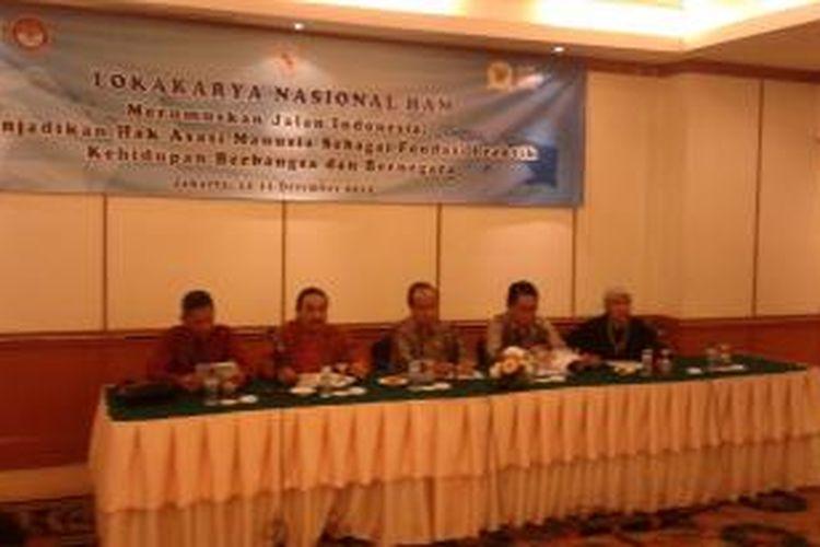 Konferensi pers Komnas HAM dan Lembaga Perlindungan Saksi dan Korban (LPSK), di Hotel Sahid, Jakarta, Kamis (11/12/2014).