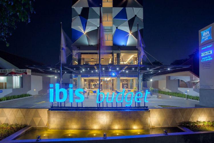 Tampilan dari luar gedung baru dari brand Ibis Budget,di Ibis Budget Cirebon.