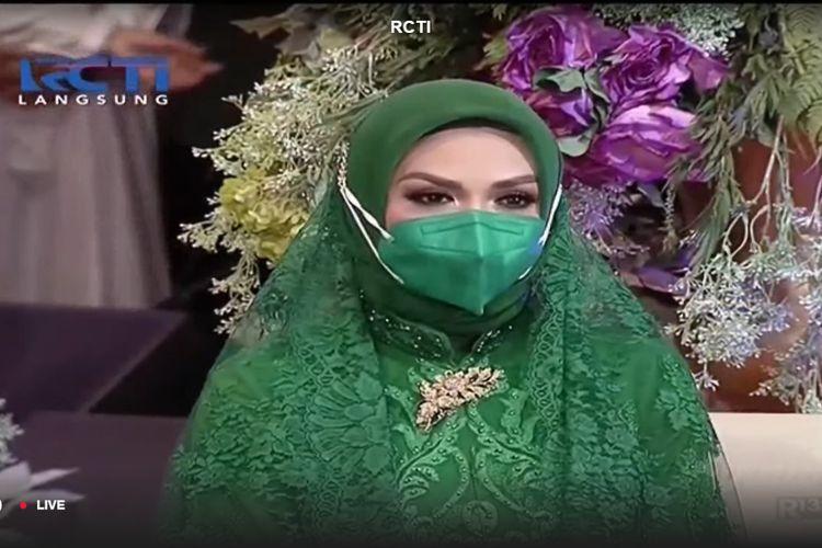 Krisdayanti hadir di acara pengajian Aurel Hermansyah jelang menikah, Sabtu (30/3/2021).