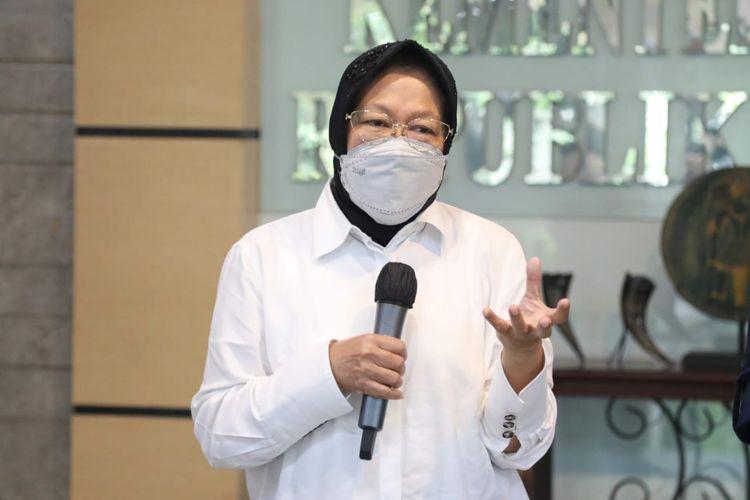Menteri Sosial (Mensos) Tri Rismaharini saat menghadiri sidak di Kementerian Sosial (Kemensos), Salemba, Jakarta, Selasa (18/5/2021).