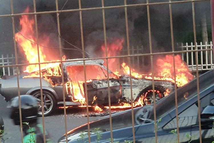 Mustang Shelby GT500 Terbakar di Pondok Indah