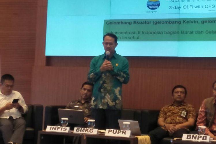 Kepala Sub Bidang Peringatan Dini Iklim BMKG, Supari dalam Acara Konferensi Pers Penanggulangan Bencana di Graha BNPB, Jakarta, Jumat (31/1/2020)