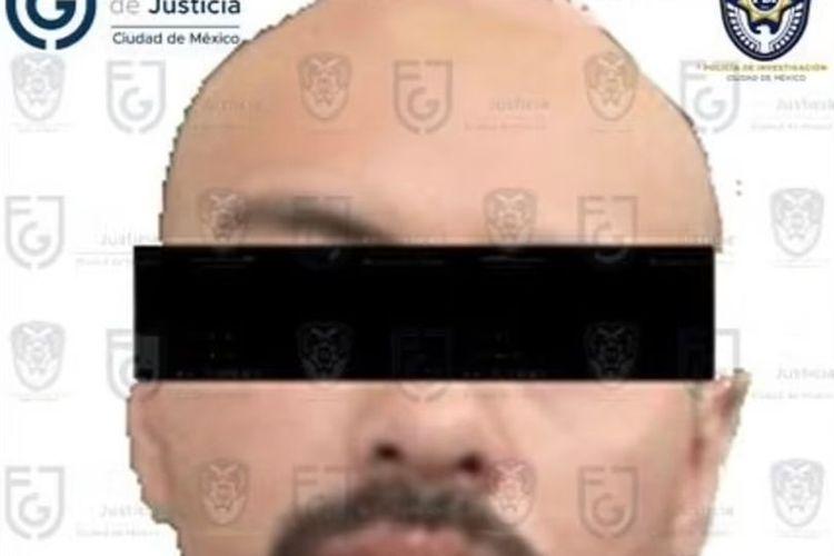 Jose Alfredo Camacho, seorang koki di Meksiko yang ditangkap setelah menukar istrinya untuk narkoba, sebelum membunuh dan memutilasinya untuk diumpankan kepada anjing.