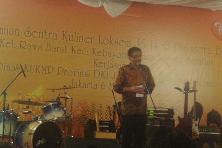 Wakil Gubernur DKI Jakarta Djarot Saiful Hidayat meresmikan sentra kuliner di lokasi binaan Kelurahan Rawa Barat, Kebayoran Lama, Jakarta Selatan, Senin (6/3/2017).