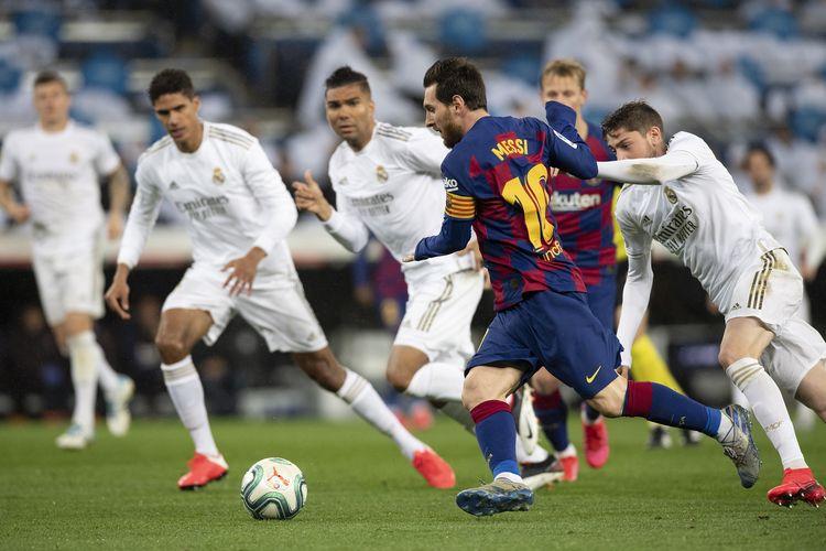 Laga El Clasico antara Real Madrid dan Barcelona di Stadion Santiago Bernabeu, Maret 2020.