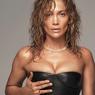 Rambut Baru J.Lo, Perpaduan Gaya Asimetris dan Ikal Alami