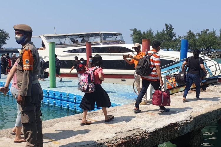 Tim melakukan pengendalian dan pengawasan keselamatan serta keamanan transportasi laut di Kepulauan Seribu selama masa periode libur Idul Fitri 1442 H.