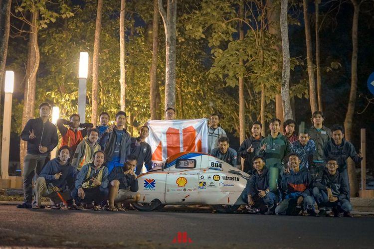 Robot Sterilisasi Virus Covid-19 karya mahasiswa Universitas Brawijaya (UB) berhasil menjadi juara pertama di kompetisi Spirit of Shell Eco-Marathon (SEM) Asia 2020.