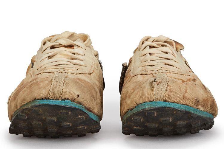 Sepatu langka Nike Moon Shoe
