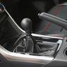 Kenali Ciri-ciri Komponen Mobil Transmisi Manual Mulai Rusak