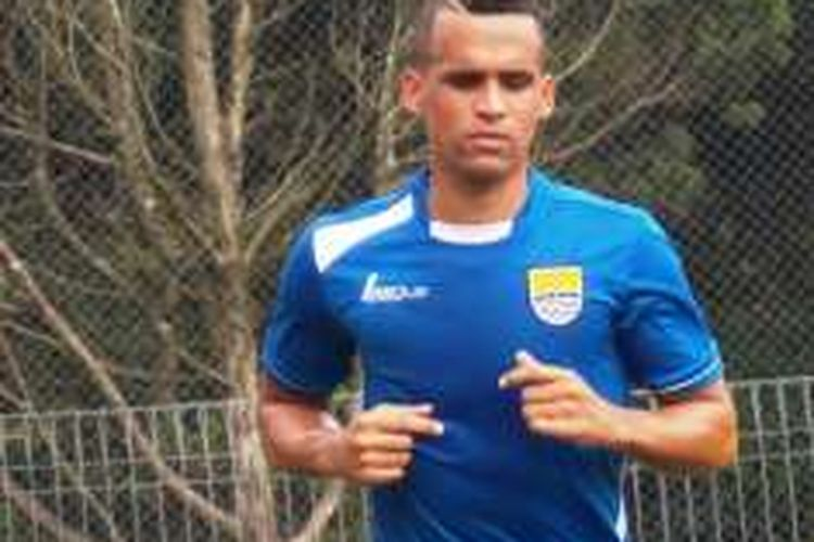 Penyerang anyar Persib Bandung, Aron da Silva.