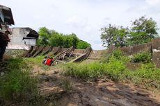 5 Fakta Tanggul Kali Bekasi di Pondok Gede Permai Rebah
