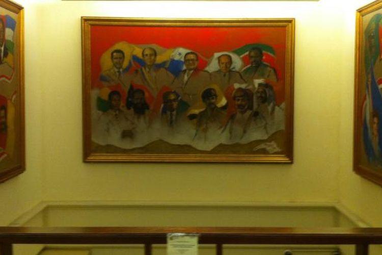 Tiga buah lukisan para pemimpin negara non blok yang dibuat pada tahun 1992 terpajang di ruang pameran Museum Basoeki Abdullah lantai dua, Rabu, (18/02/2015).