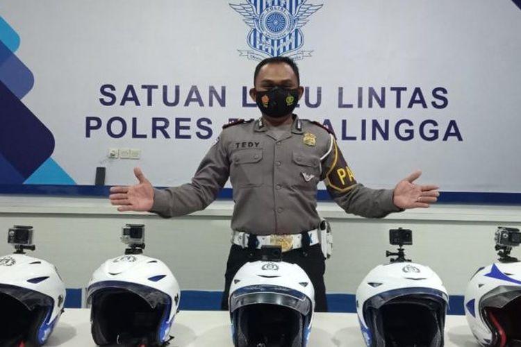 Lima helm polisi Polres Purbalingga yang telah dilengkapi kamera portabel Kopek