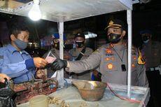Polisi di Kediri Borong Dagangan Pedagang Saat Patroli PPKM Level 4