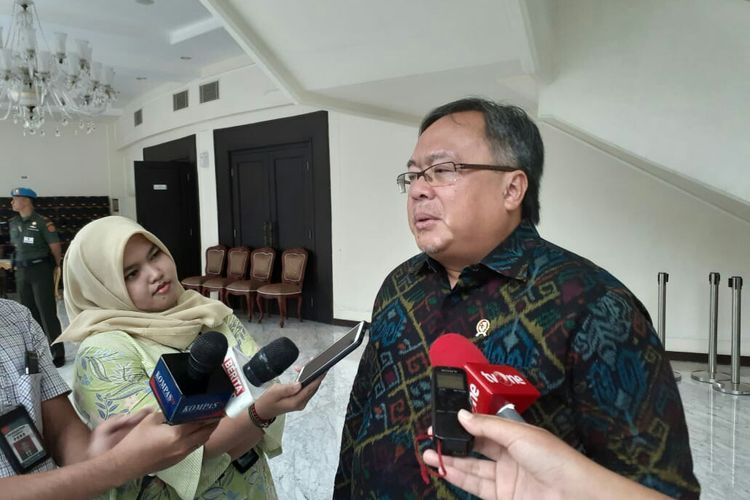 Menristek Bambang Brodjonegoro usai bertemu Wapres Maruf Amin