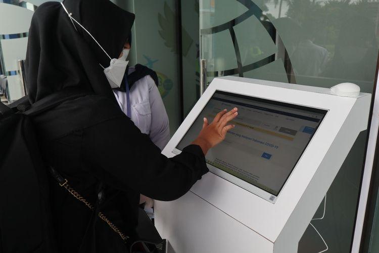 Bandara Raja Haji Abdullah (RHA) Karimun Mulai Menerapkan Aplikasi PeduliLindungi
