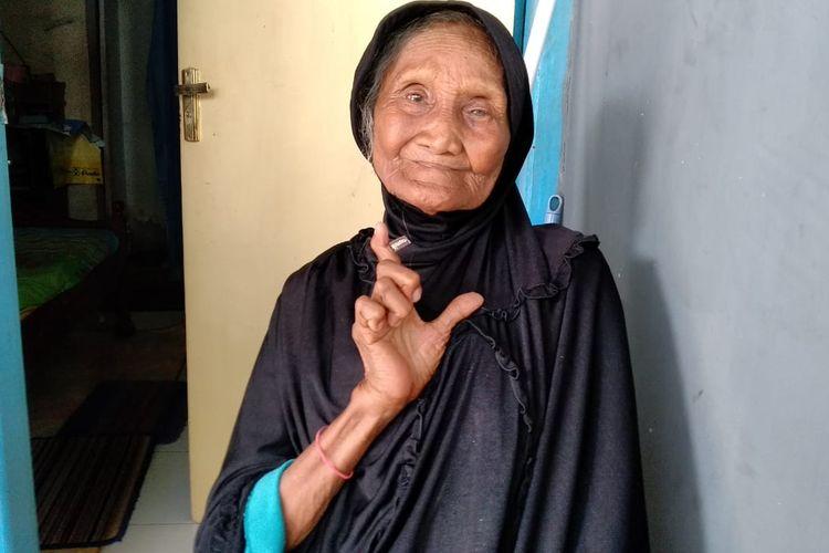 Sumirah (85) atau yang akrab disapa Papuq Irah yang peluk Prabowo saat kampanye di Mataram.