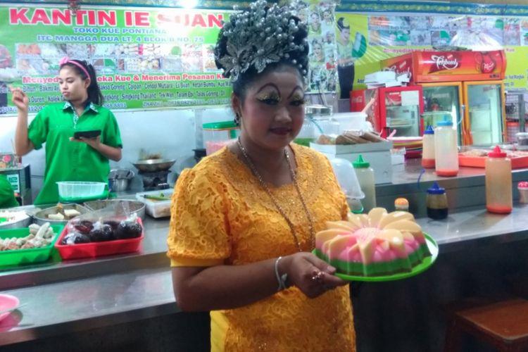 Ie Suan penjual makanan di Mangga Dua.