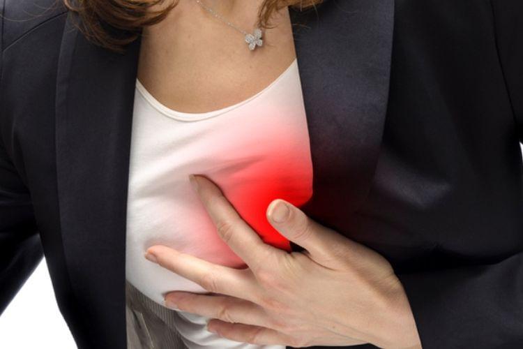 Ilustrasi serangan jantung pada wanita