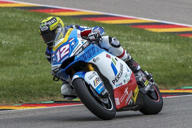 Pebalap Pertamina Mandalika SAG Team, Thomas Luthi, saat balapan pada Moto2 Jerman 2021