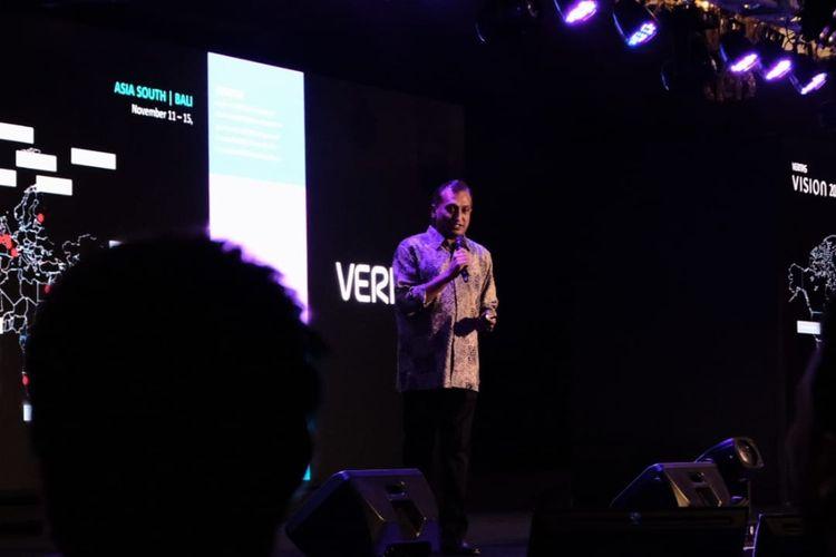 Ravi Rajendran selaku Vice President and Managing Director Asia South Region Veritas Technologies saat memperkenalkan Veritas Enterprises Data Services Platform (EDSP) dalam acara Customer Executive Summit di Mulia Resort Bali, Selasa (12/11/2019).