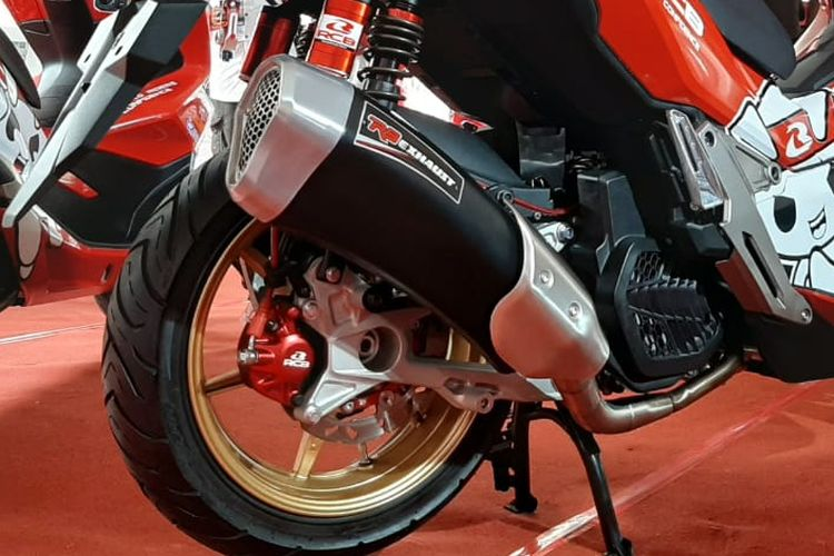 Pilihan knalpot racing Honda ADV 150 di IIMS Motobike Expo 2019