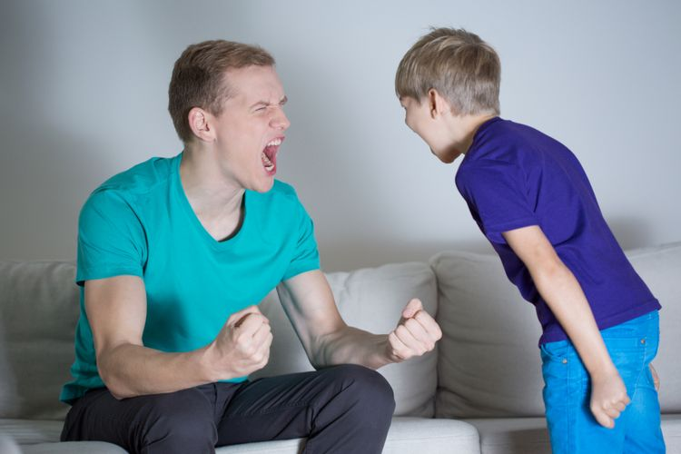 Ilustrasi memarahi anak