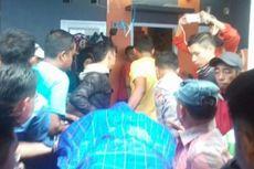 Jenazah Polisi Korban Penikaman di Makassar Disambut Isak Tangis Keluarganya