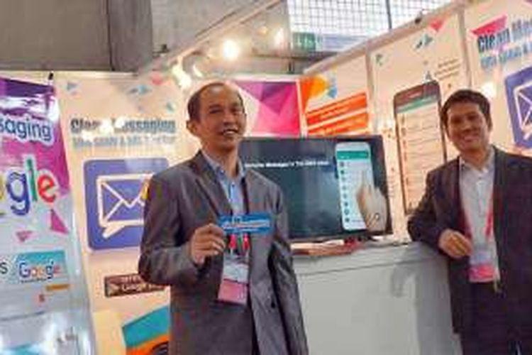 Duo pengembang Anton Nasser dan R. Ari Sudraja (kiri) saat ditemui di stand aplikasi filter spam untuk mobile Clean Messaging buatan mereka di Mobile World Congress 2016 di Barcelona, Spanyol.