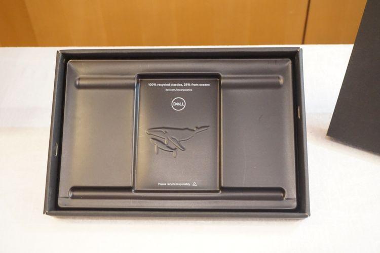 Kemasan laptop Dell yang terbuat dari sampah laut, dipakai di kemasan laptop Dell 2-in-1 XPS 13.