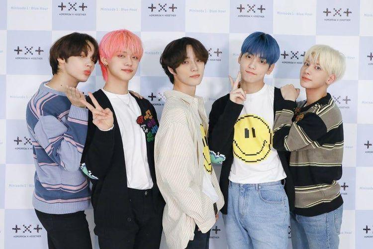 Boy group Tomorrow X Together atau TXT